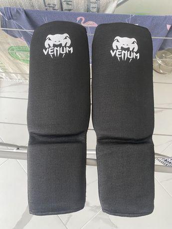 Нові Накладки VENUM на ноги,розмір м