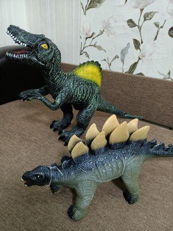 Динозаври іграшка у супер стані