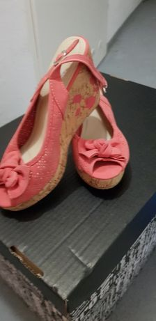 Sandałki na koturnie 39 malinowe różowe