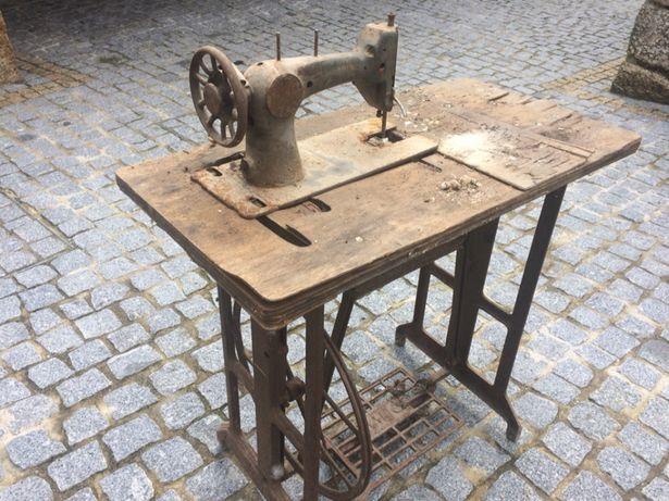 Máquina de costura para restaurar ou decoração