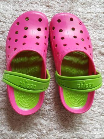 Crocs da marca Chicco Novas