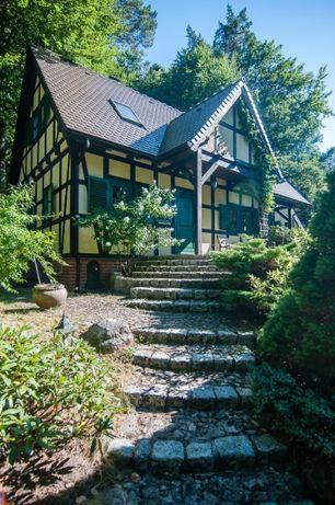 całoroczny dom nad jeziorem, w lesie