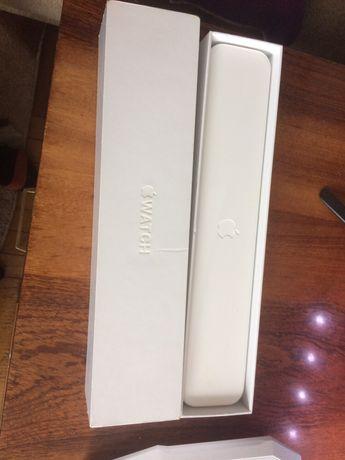 Коробка з футляром Apple Watch 1