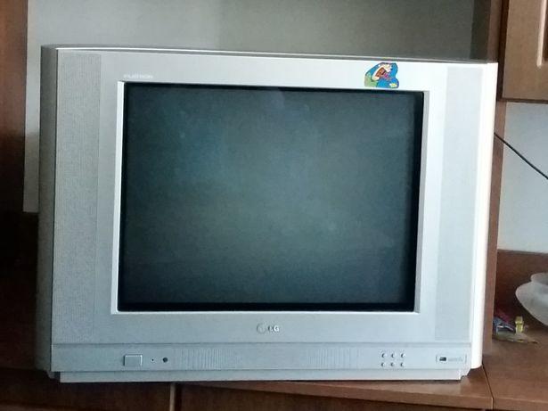 Телевизор LG плоский экран+пульт для игор