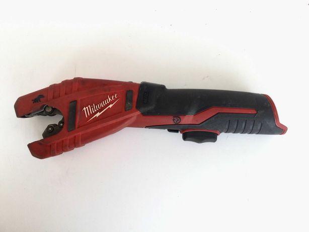Milwaukee M12 2471 Аккумуляторный труборез для медных труб  б/у
