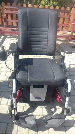 Wózek inwalidzki elektryczny.