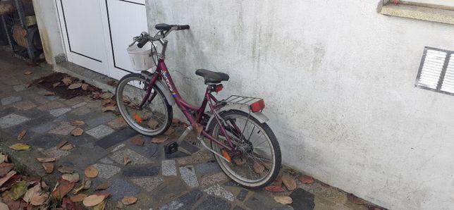 Bicicleta quase nova para criança ate 12 anos de marca italiana HORCH