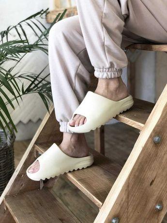 Шлепанцы Adidas Yeezy Slide Bone FW6345 тапочки изи слайд боне хит