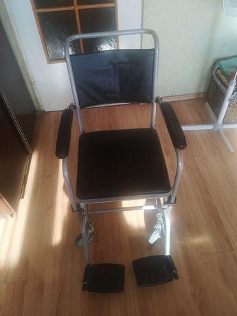 Wózek/toaleta rehabilitacyjna