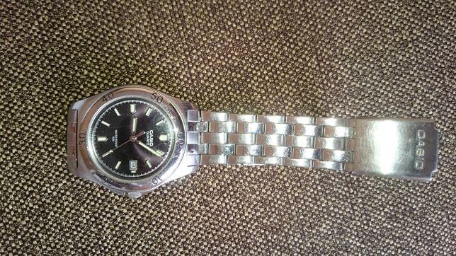 Zegarek męski Casio na branzolecie