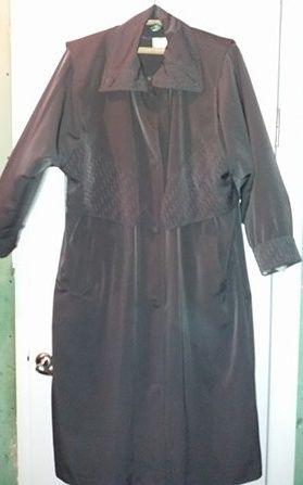 Пальто женское,весеннее после Химчистки,размер - 52-54,импорт.торг.