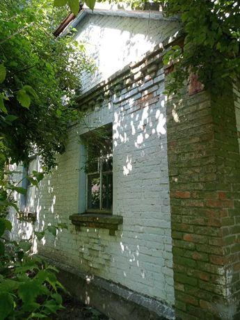 Продається цегляний будинок у м. Ржищів з ділянкою 12 соток