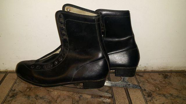 Łyżwy figurowe damskie,meskie czarne, rozmiar wkladki 28