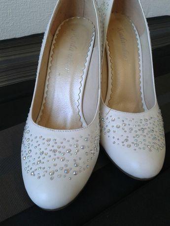 Белые туфли размер 37