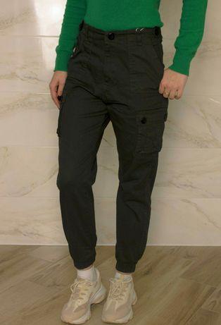Жіночі штани карго