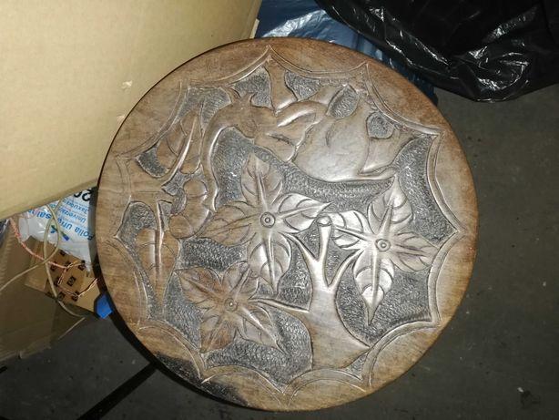 Afrykański dwustronny blat stolika, to nie jest tania masówka z Chin