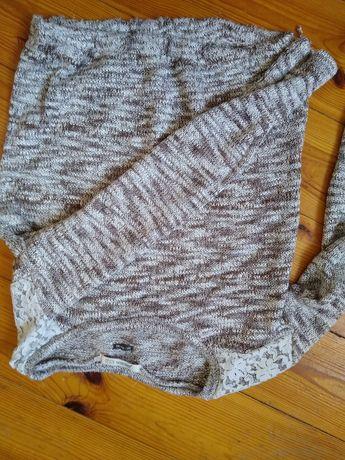 Śliczny sweterek- Bershka XS