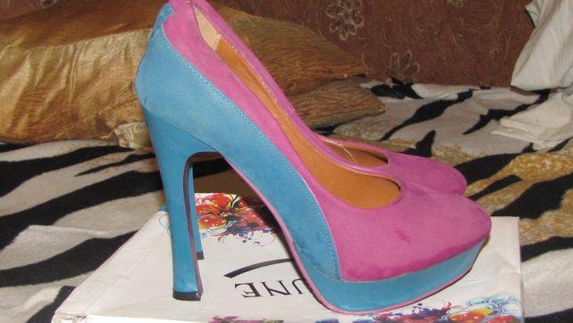 Крутые туфли 40 р.