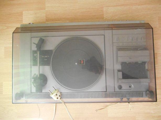 magnetofon gramofon produkcji rosyjskiej