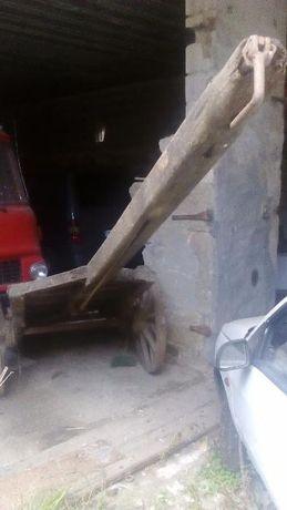 Carroça de bois com travão