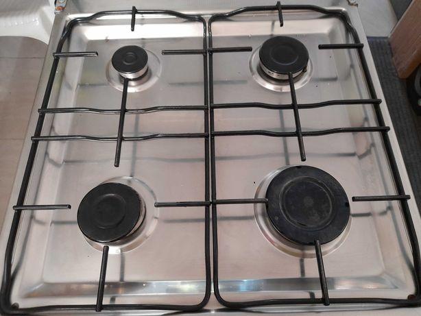 Fogão a gás de 4 bocas e forno