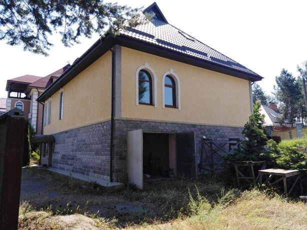 Дом с бассейном возле Днепра