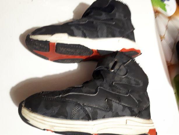 Ботинки утепленные 31 р