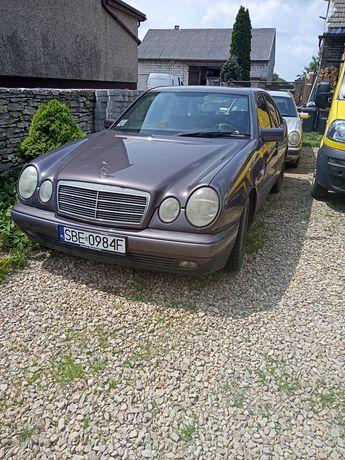 Mercedes w 210. 2.2d manual