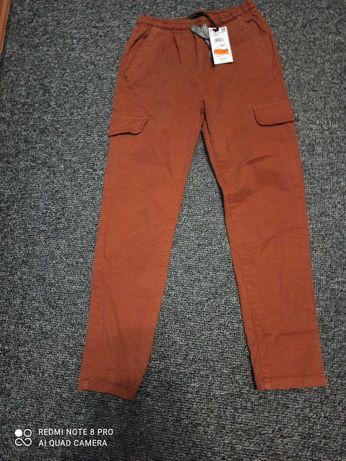 Sprzedam spodnie chłopięce r.152  Reserved