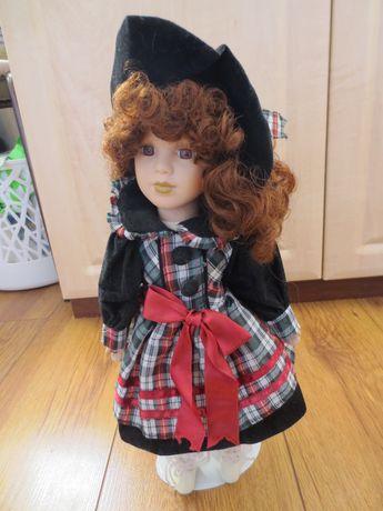 TANIO porcelanowa ceramiczna lalka z kapeluszem WYSOKA ok 36-38 cm