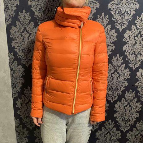 Куртка жіноча пухова