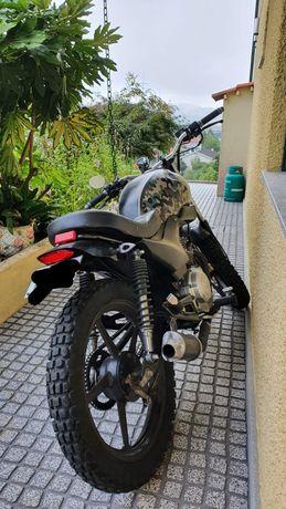 Yamaha YBR 125cc café Racer scrambler brat
