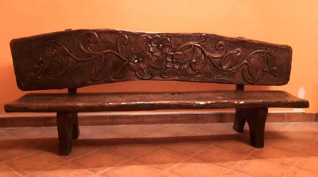 Rzeźbiona, drewniana ława