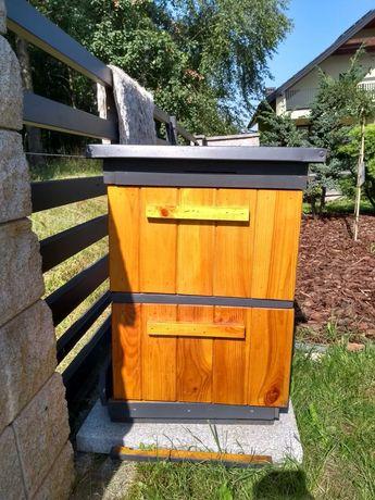 nowy ul ule ocieplone dla pszczół z ramkami pomalowany z zewnątrz