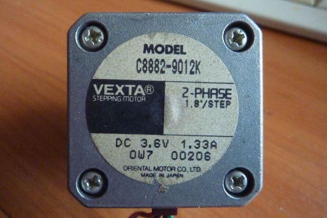 Шаговый двигатель Vexta C8912-9012K 2-Phase 1.8Deg/step