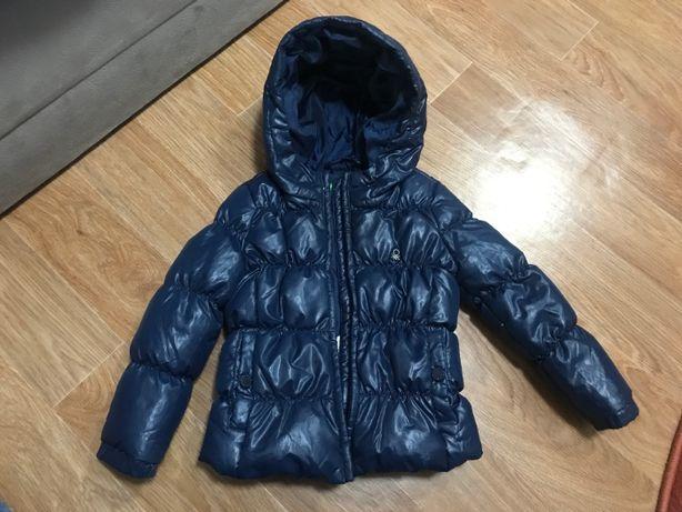 Стеганная темно - синяя осенне-зимняя куртка United Colors of Benetton