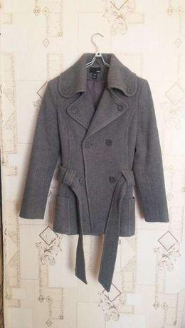 Продам пальто, серого цвета.