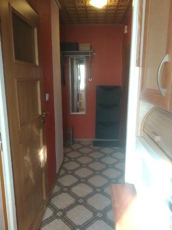 Pokój jednoosobowy w mieszkaniu dwupokojowym. Osada Jana
