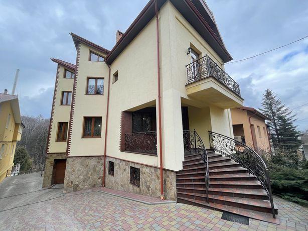 Продам шикарний будинок зі свіжим ремонтом у Львові на в Березова LB-1