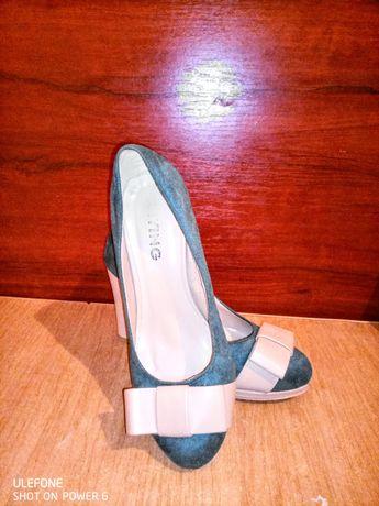 Туфли женские замшевые 35 размер в хорошем состоянии