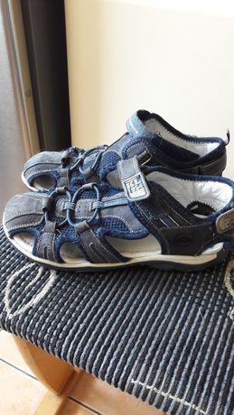 Oddam  sandały lasocki r36