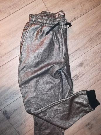 Спортивні брюки стилтні