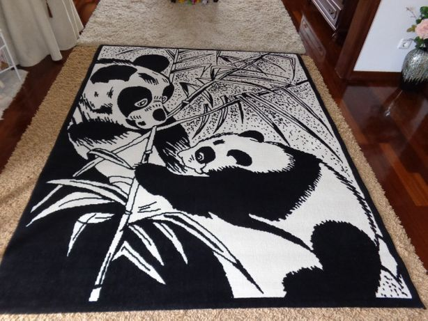 Carpete grande, Pandas