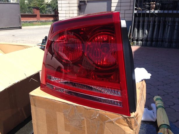 Продам задние фары Dodge Charger 2006-2012