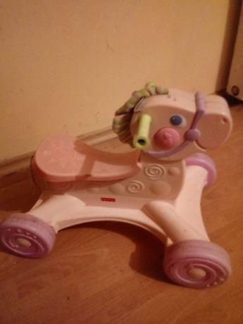 Jeździk dla dziewczynki.