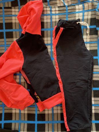 Детский костюм спортивный для девочки 5-8 лет . Зависимо от роста .