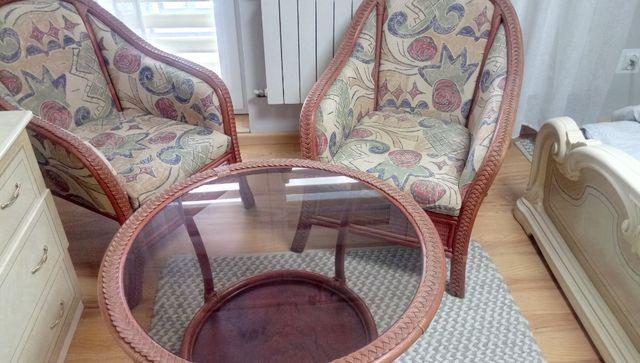Sprzedam wypoczynek z ratanu sofa 2 osobowa+2 fotele+stolik