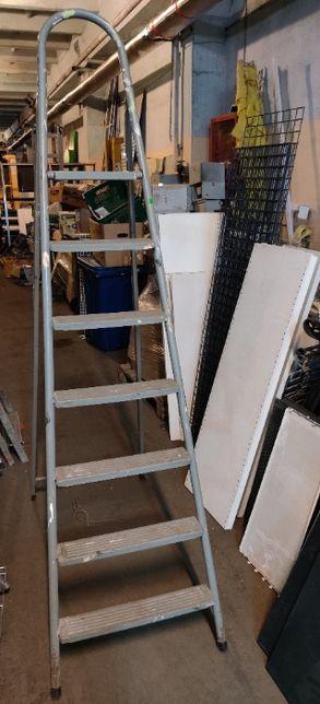 Лестницы, стремянки, драбина Б/У