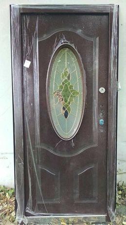 Дверь металлическая входная 880х2050 с витражом