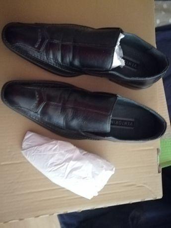 Sprzedam wyjściowe buty męskie Ventorini